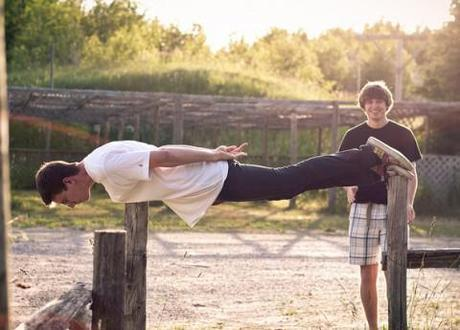 After planking and owling, Batmanning is the latest 'position craze' to blow up the net