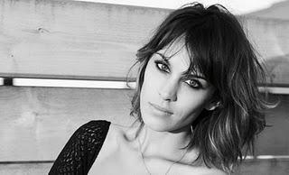 Recipe for Alexa Chung's look... my mouth is already watering!!