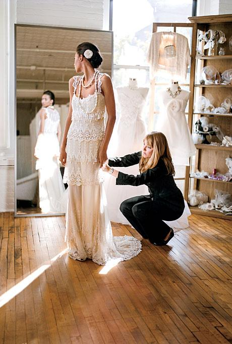 selecting the perfect wedding gown essay Your wedding dress is the most significant icon on your wedding day it is the main focus in the chapel, reception and photographs choosing the perfect.