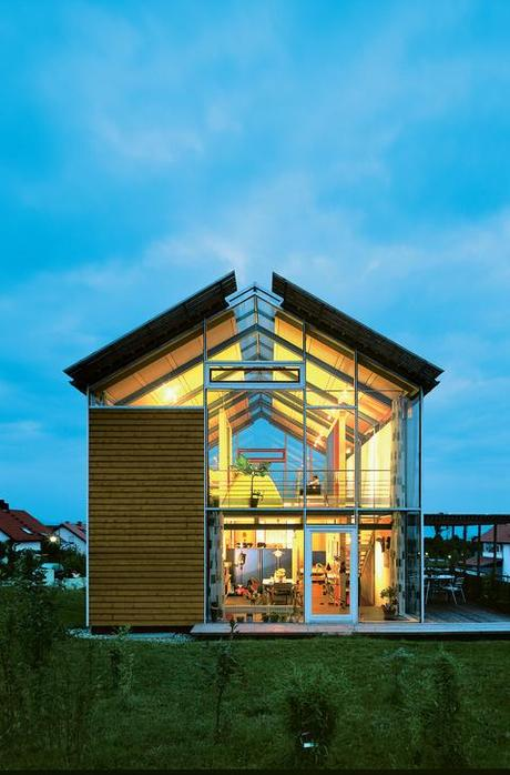Steel framed split level home in germany paperblog for Modern steel frame homes