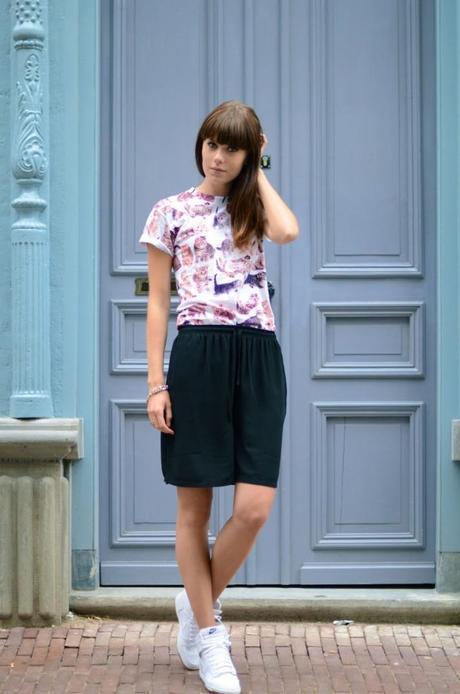 outfit kitten print fun t-shirt bermuda shorts