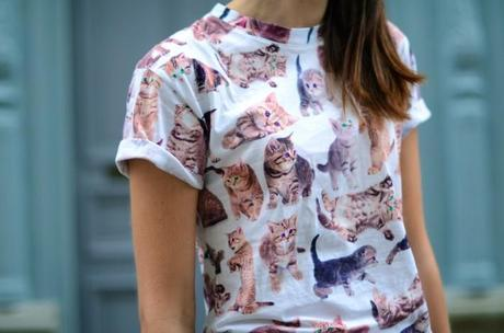 kitten allover print t-shirt