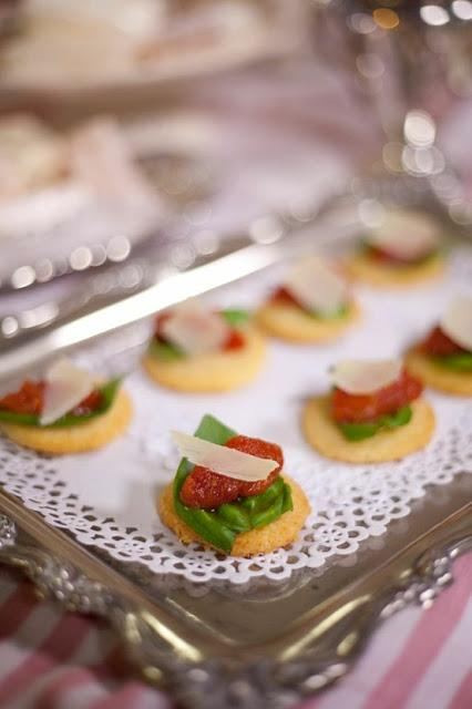 Ideas for nibbles and canap s paperblog for Canape dessert ideas
