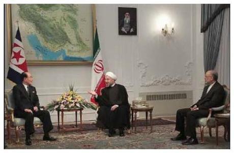 SPA Presidium President Kim Yong Nam (L) meets with the new Iranian President Hassan Rohani (C) in Tehran on 3 August 2013 (Photo: Iran President's Office).