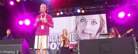 Mackenzie Porter Boots and Hearts 2013 Front Porch Stage Introduction [credit: Trish Cassling]