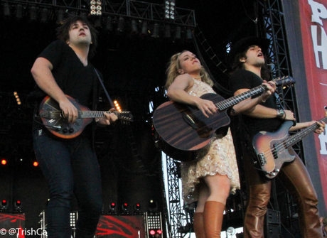 The Band Perry at Boots and Hearts 2013 [credit: Trish Cassling]