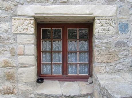 FR-Window1-600x449