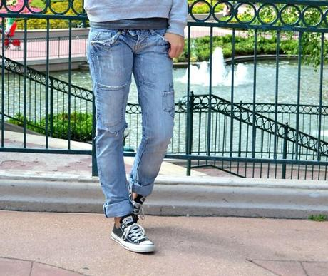paris boutique mango sweater fashion blogger turn it inside out outfit outfitpost casual disneyland paris eurodisney birthday today celebrating converse all star black allstars