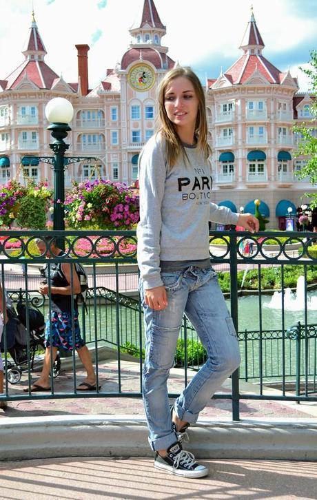 paris boutique mango sweater fashion blogger turn it inside out outfit outfitpost casual disneyland paris eurodisney birthday today celebrating