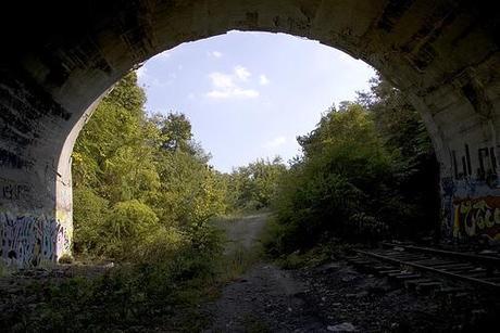 palisades arch looking east.jpg