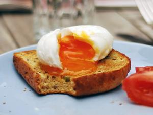 livlife bread with boiled egg
