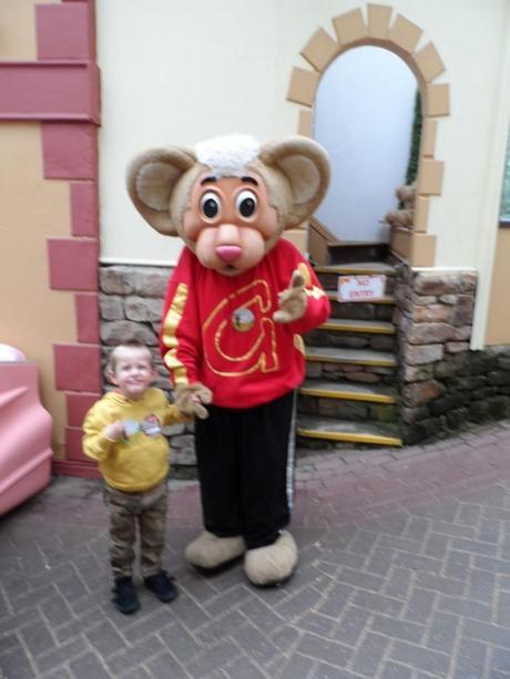 Meeting Gully Mouse Gulliver's Matlock Bath