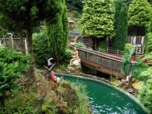 Crazy Barrel Ride Gulliver's Matlock Bath