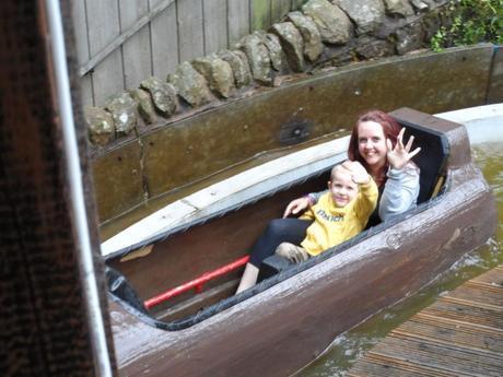 Log Flume Gulliver's Matlock Bath