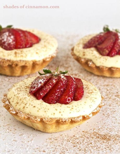 White-chocolate-mousse-tartlets-main-pic