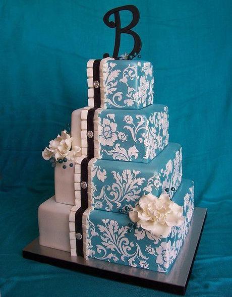 Split Personality, Blue Damask Wedding Cake