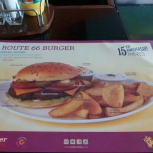 Roadster_Diner_Route66_R66_Burger01