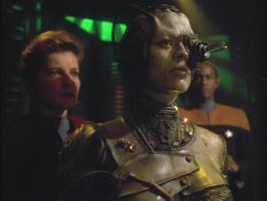 Star-Trek-Voyager-Scorpion-Part-2-jeri-ryan-23485827-702-530