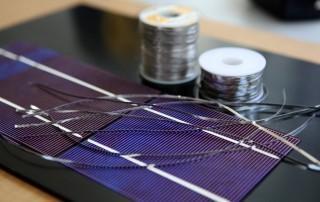 Solar cells and soldered tabbing wire. (Credit: Michael Dorausch michaeldorausch.com)