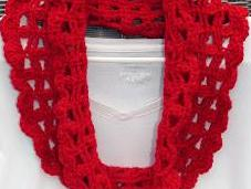 Free Crochet Pattern: Stella Cowl Scarf