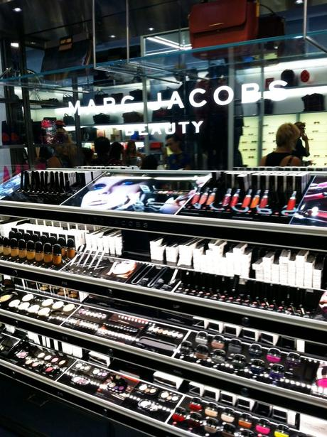 photo 4 960x1285 Marc Jacobs Beauty   Vegas Launch Party