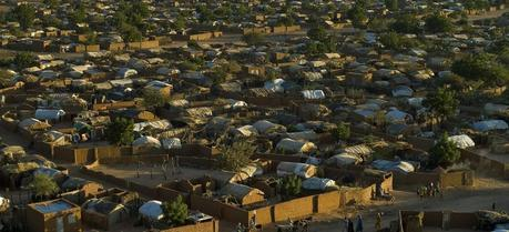 More than 22 thousand of darfurian refugees live in Farchana Refugee Camp in Eastern Chad. (Credit: Flickr @ European Commission DG ECHO http://www.flickr.com/photos/69583224@N05/)