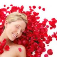 Rose Water: Products from Nature to Keep Your Hair Healthy