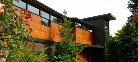 Modern house of contemporary design, glass and wood, Washington Park neighborhood, Seattle, Washington, USA. (Credit: Flickr @ Wonderlane http://www.flickr.com/photos/wonderlane/)