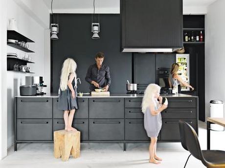 5 Striking Black Kitchens Around The World Paperblog