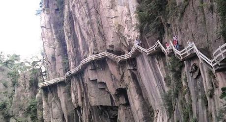 Death Defying Walks In China's Yellow Mountains