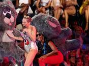 Miley Cyrus Exactly What Figured She'd VMA's Mad.
