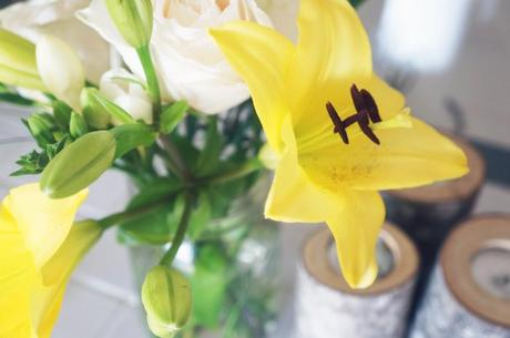 sunny floral arrangement