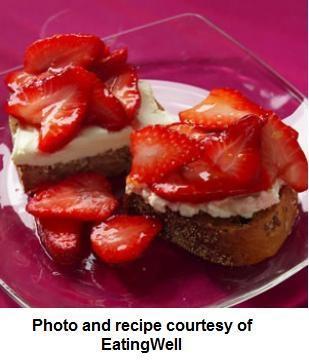 Weight Loss Dessert Recipe: Strawberry Bruschetta