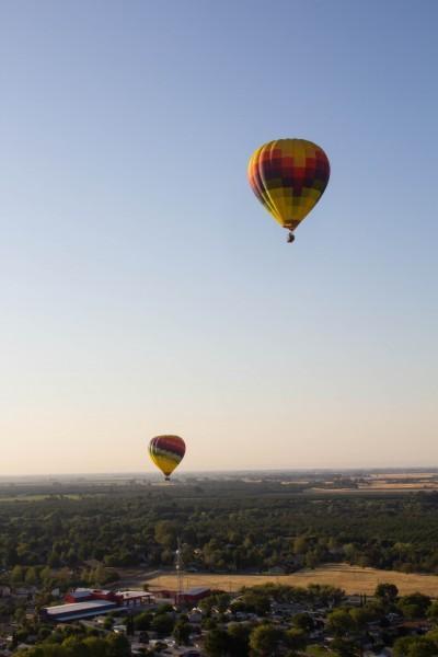napa valley balloons 7 400x600 San Francisco: Hot Air Balloons and Napa Valley