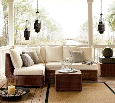Outdoor patio furniture living room