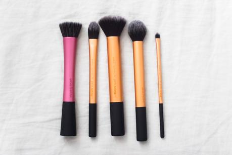 THE REAL TECHNIQUES BRUSHES