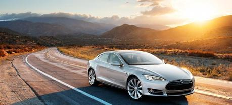 2013 Tesla Model S. (Credit: Tesla Motors)