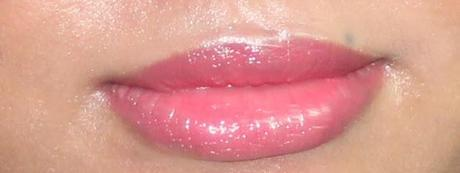 Oriflame Very Me Lipmania Lipstick Vibrant Peach - And Reason Why You Need It!