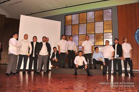 Models of Uniforms at Bangko Sentral Ng Pilipinas - Paperblog