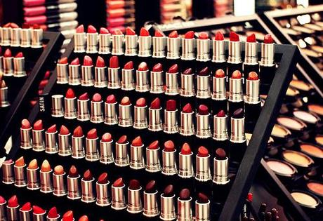 A Guide to MAC's Lipstick Finishes - Paperblog