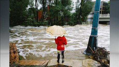 helping flood victims essay