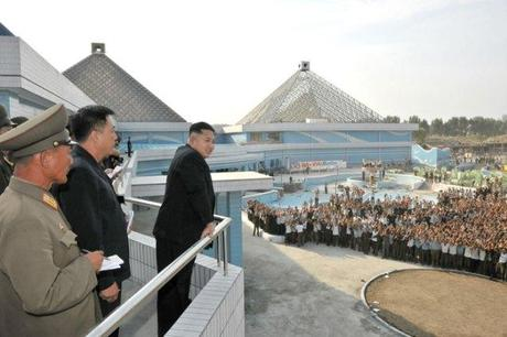 Kim Jong Un gets an overview of the construction of the Munsu Swimming Complex in Pyongyang (Photo: Rodong Sinmun).