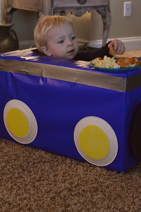 #ad DIY Drive-in Family Movie Night