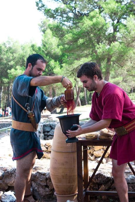 Utensil to filter the Iberian wine
