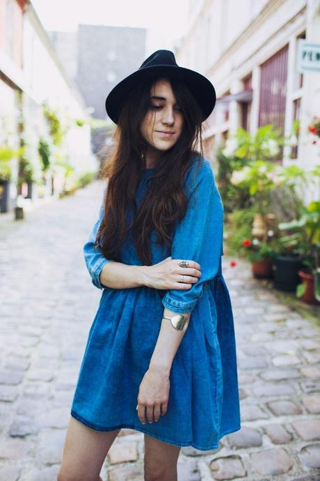 denim dress look