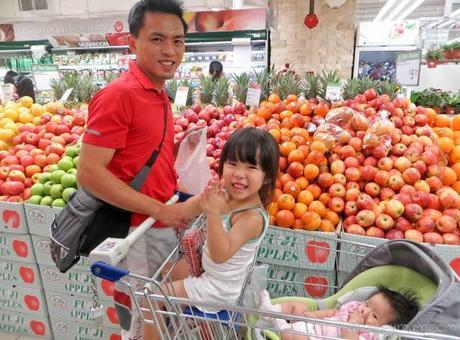 No need for trolleys and 1-dollar coins, thanks to RedMart