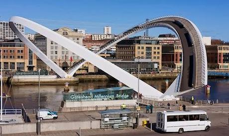 10 Spectacular Movable Bridges