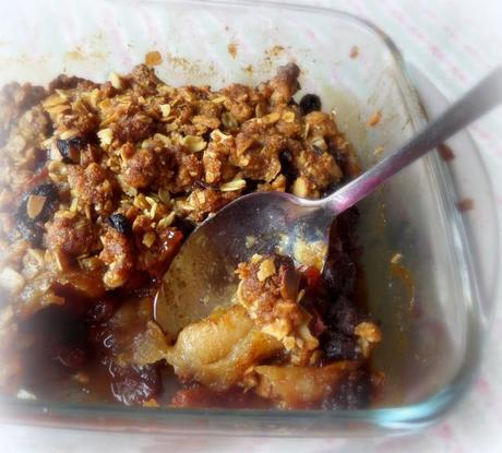 how to make toffee apple crumble