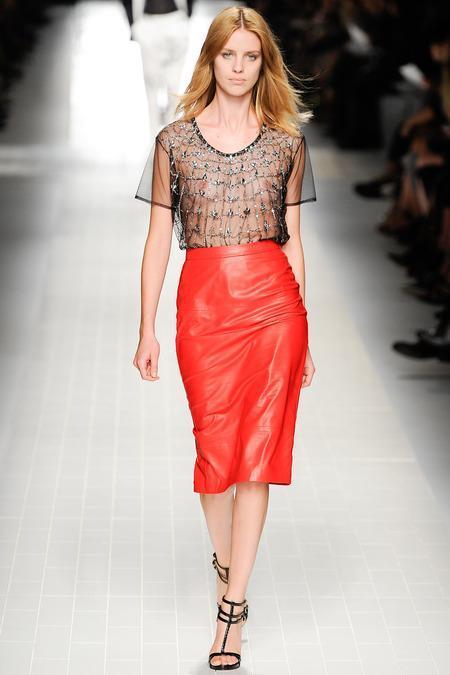 fashion-ismysparewheel:  maidsofbondstreet:  Julia Frauche at...