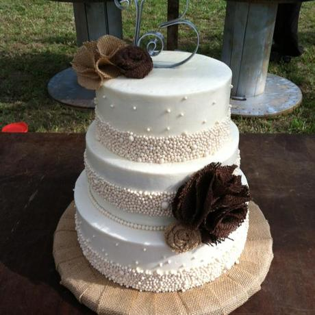 Vintage Pearl and Burlap Wedding Cake